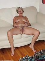 mature ladies pantyhose pics